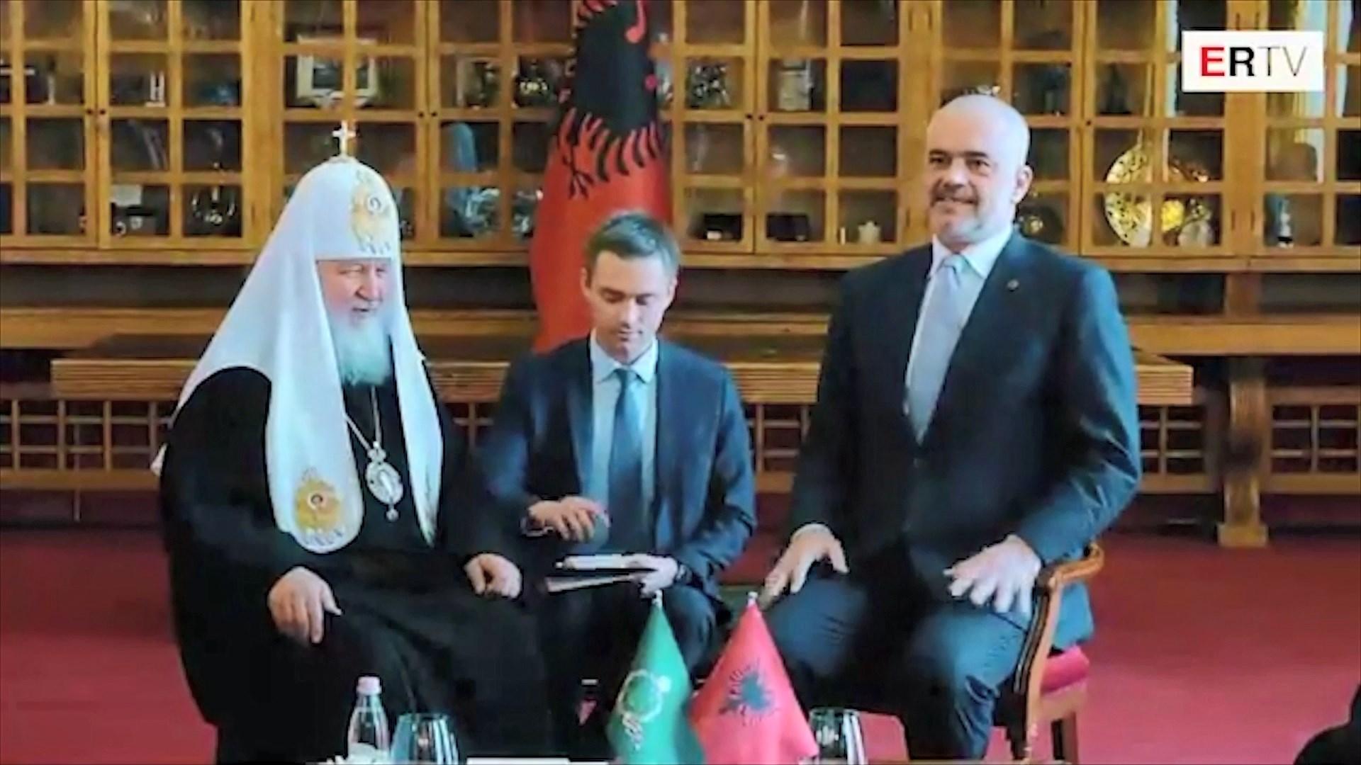 Patriarku rus Kirill vlerëson ndryshimet në Tiranë