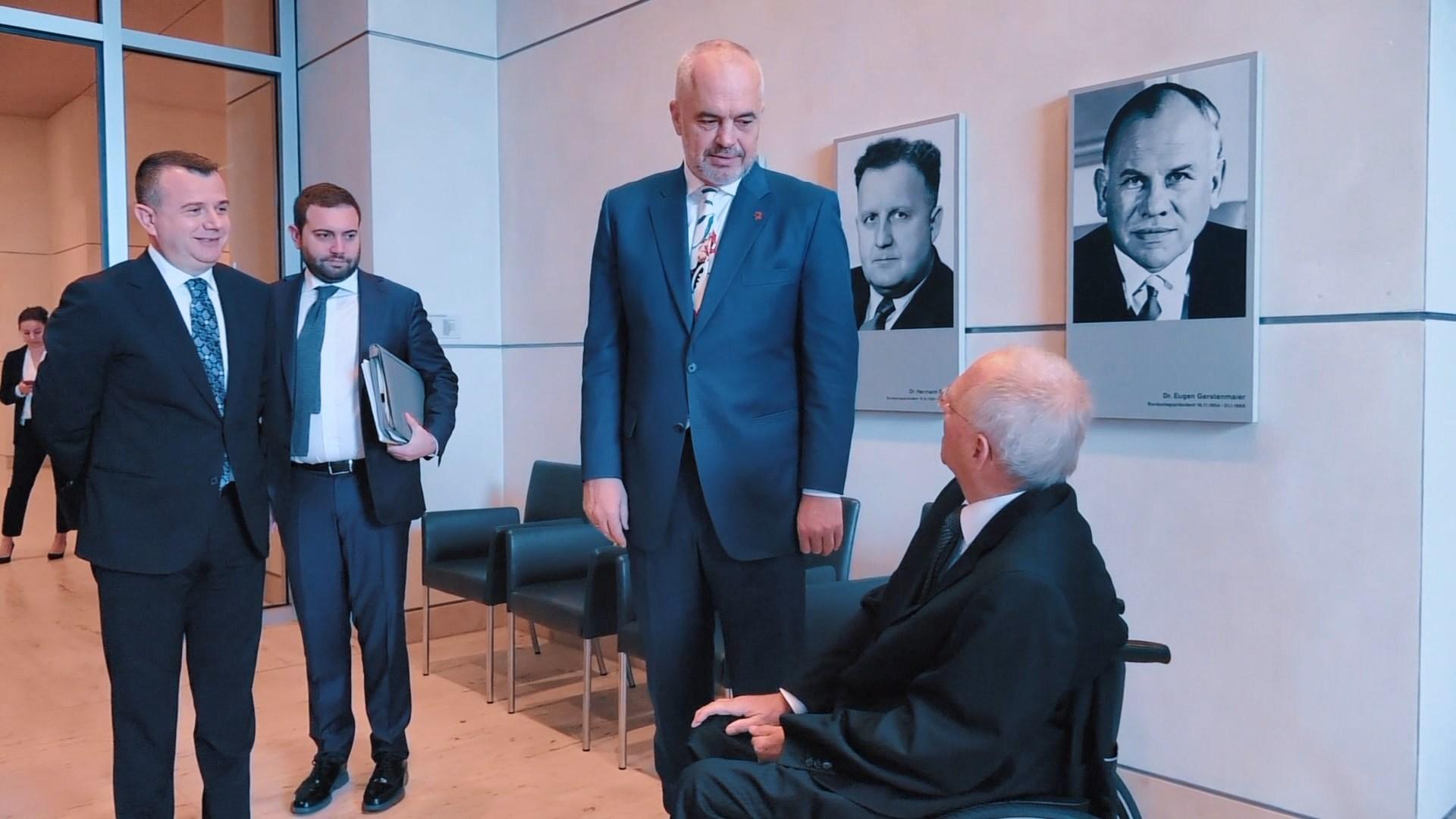 Rama nis vizitën në Gjermani/ Pasdite takon kancelaren Merkel