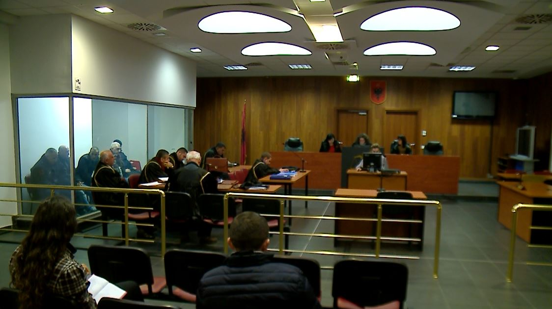 Gjoba tregtarëve në Shkodër, 43 vjet burg 4 të akuzuarve