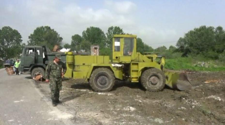 Ushtria në aksion për pastrimin e lumit Gjola