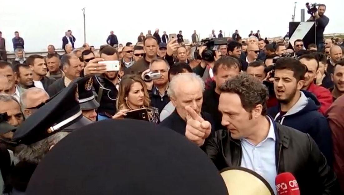 Milot/ Policia kërkon largimin e protestuesve
