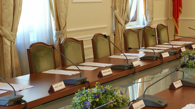 PD mungon në komisionet parlamentare