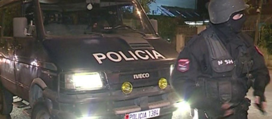 policia-2-1-620x3301-905x395.jpg