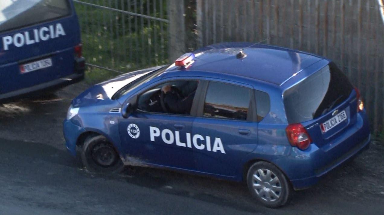 Drogë në makinë, shpallet në kërkim një polic