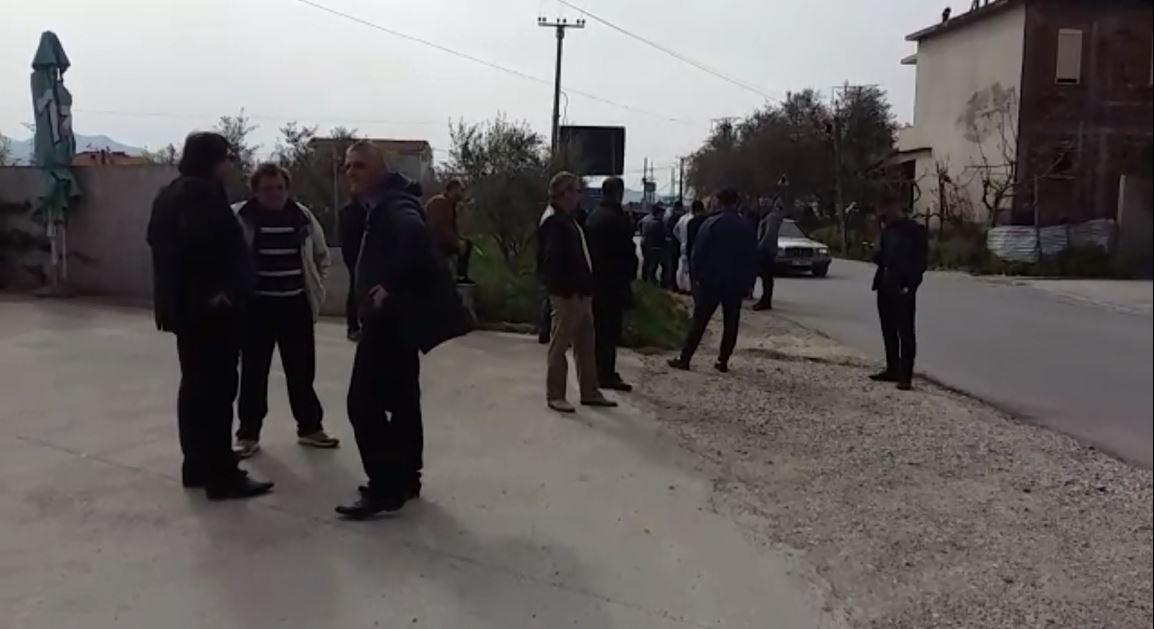 Bllokimi i rrugëve kryesore, protesta pa incidente