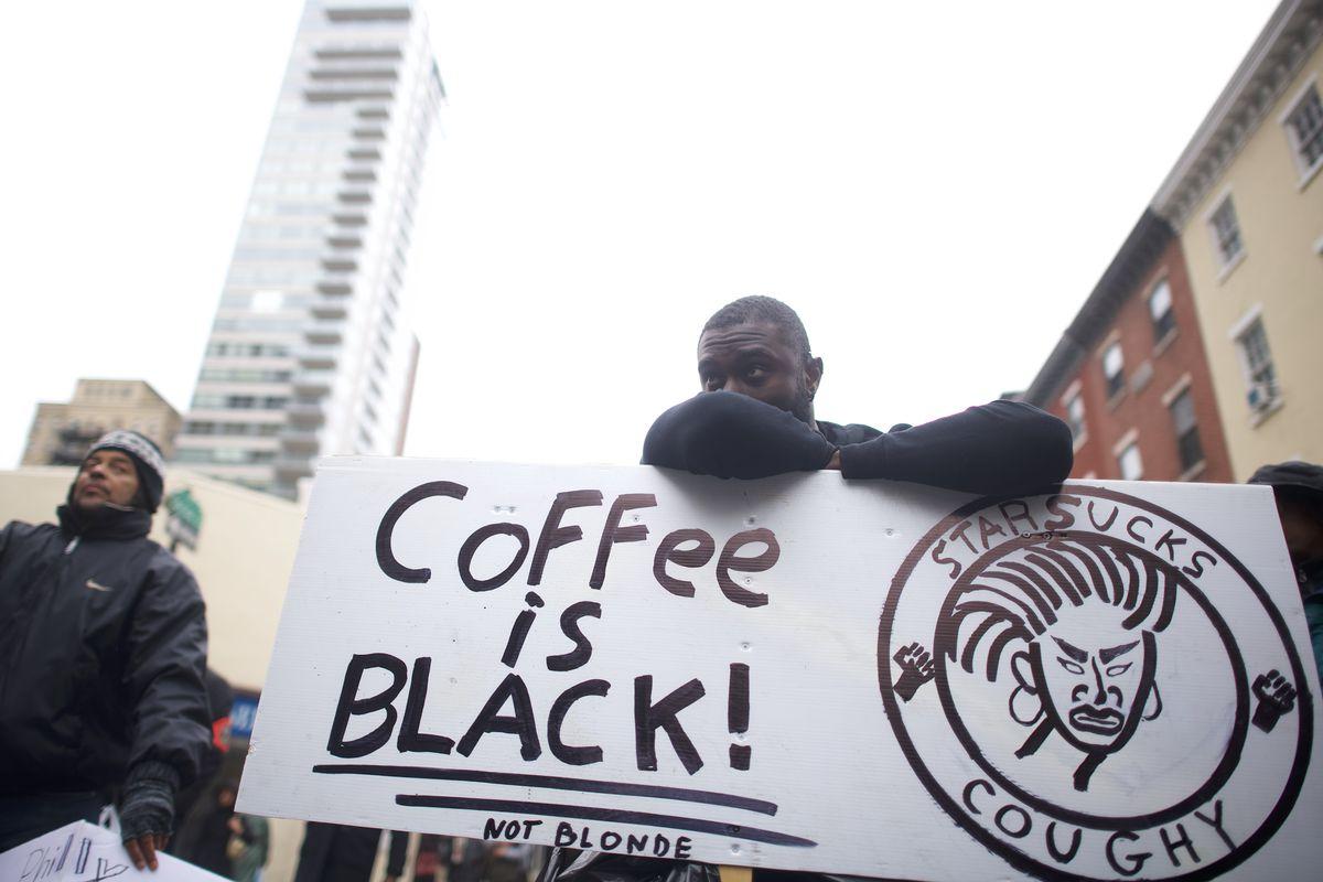 """Incidentet raciste/ """"Starbucks"""" mbyll filialet në gjithë Amerikën"""