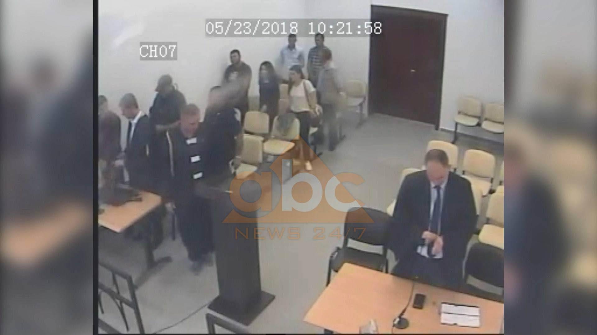 Ndalohen dy gardianë në Vlorë, pas arratisjes së Mikel Kasës
