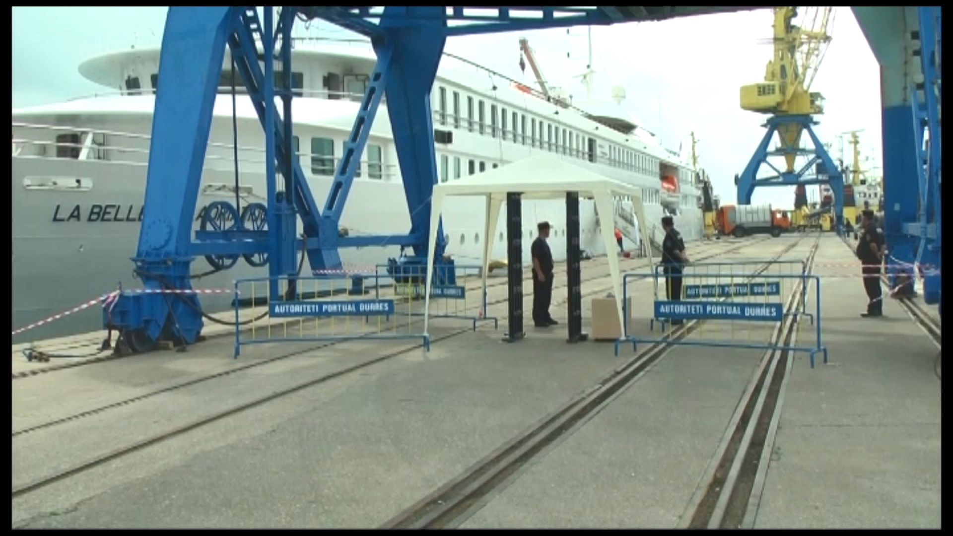 Mbërrin në Durrës kroçera me turistë francezë