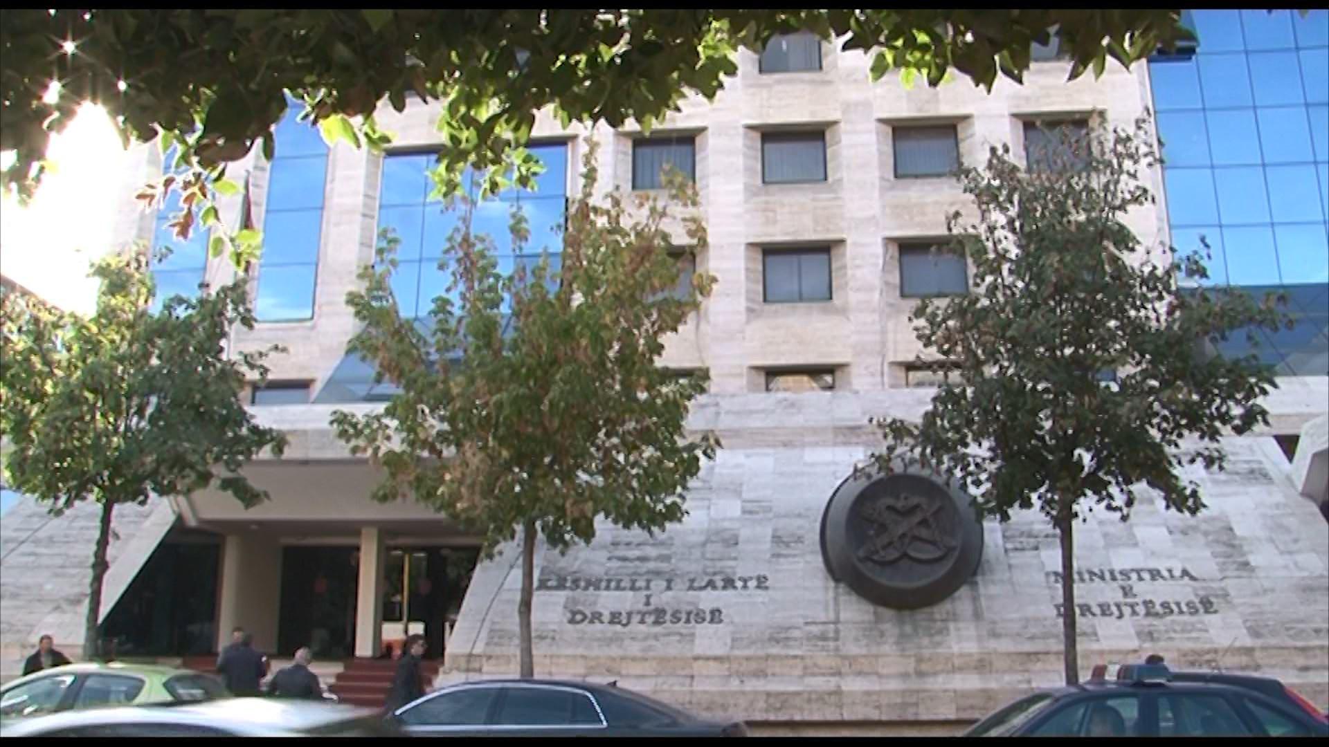 Mblidhet KLD/ Ministria e Drejtësisë kërkon shkarkimin e 4 gjyqtarëve