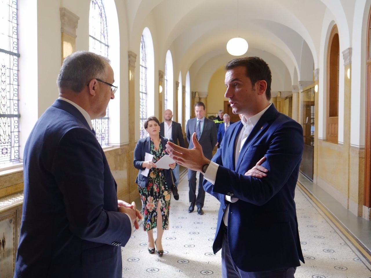 Veliaj i bashkohet qeverisë për negociatat, tur lobimi në Hollandë