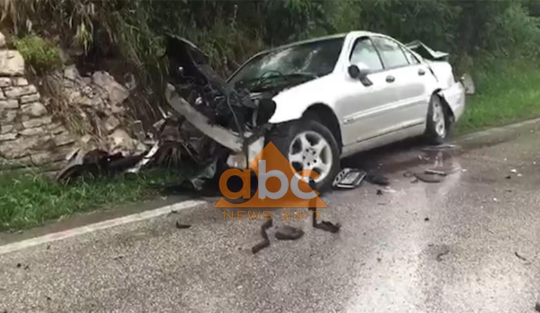 Makina përplaset me kamionçinën, plagoset 19-vjeçari