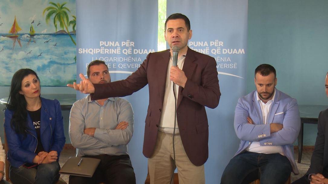 """""""Puna për Shqipërinë që Duam"""", Ahmetaj shkon në Rrogozhinë"""