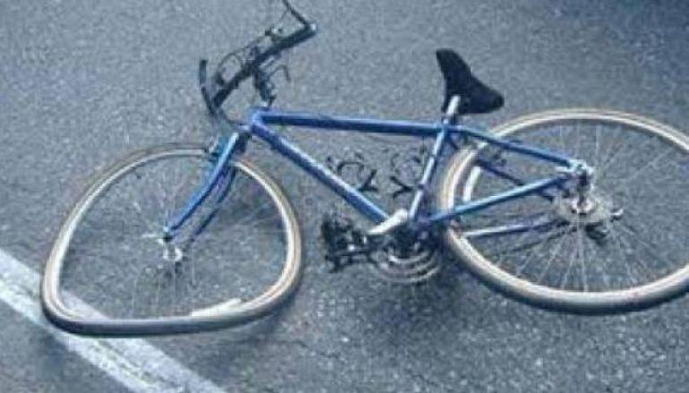 Makina përplas të miturin që udhëtonte me biçikletë në Roskovec