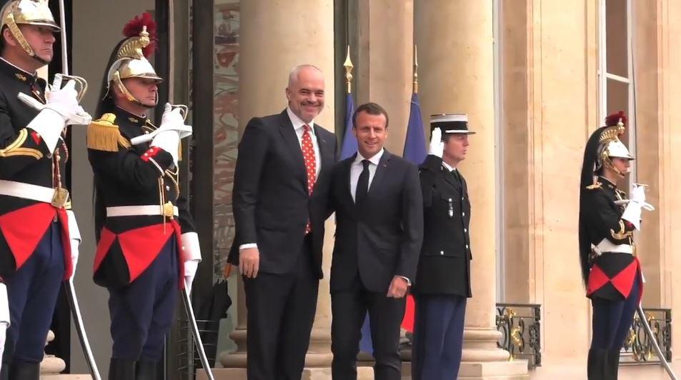 Rama në Paris, takon Presidentin francez Macron