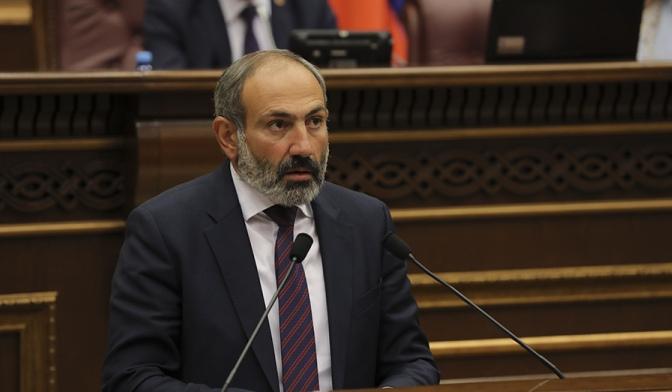 Armeni, lideri opozitar zgjidhet kryeministër