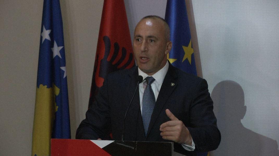 Haradinaj nderon dy figura të UÇK-së