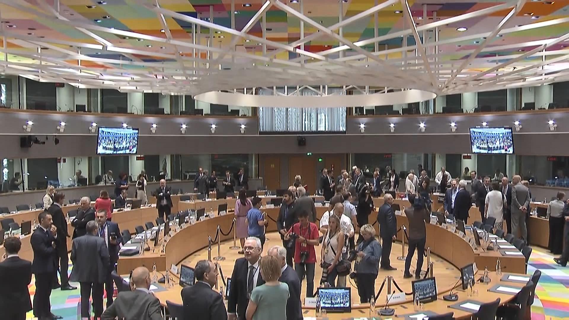 Ambasadorët e BE diskutojnë për hapjen e negociatave të Shqipërisë e Maqedonisë