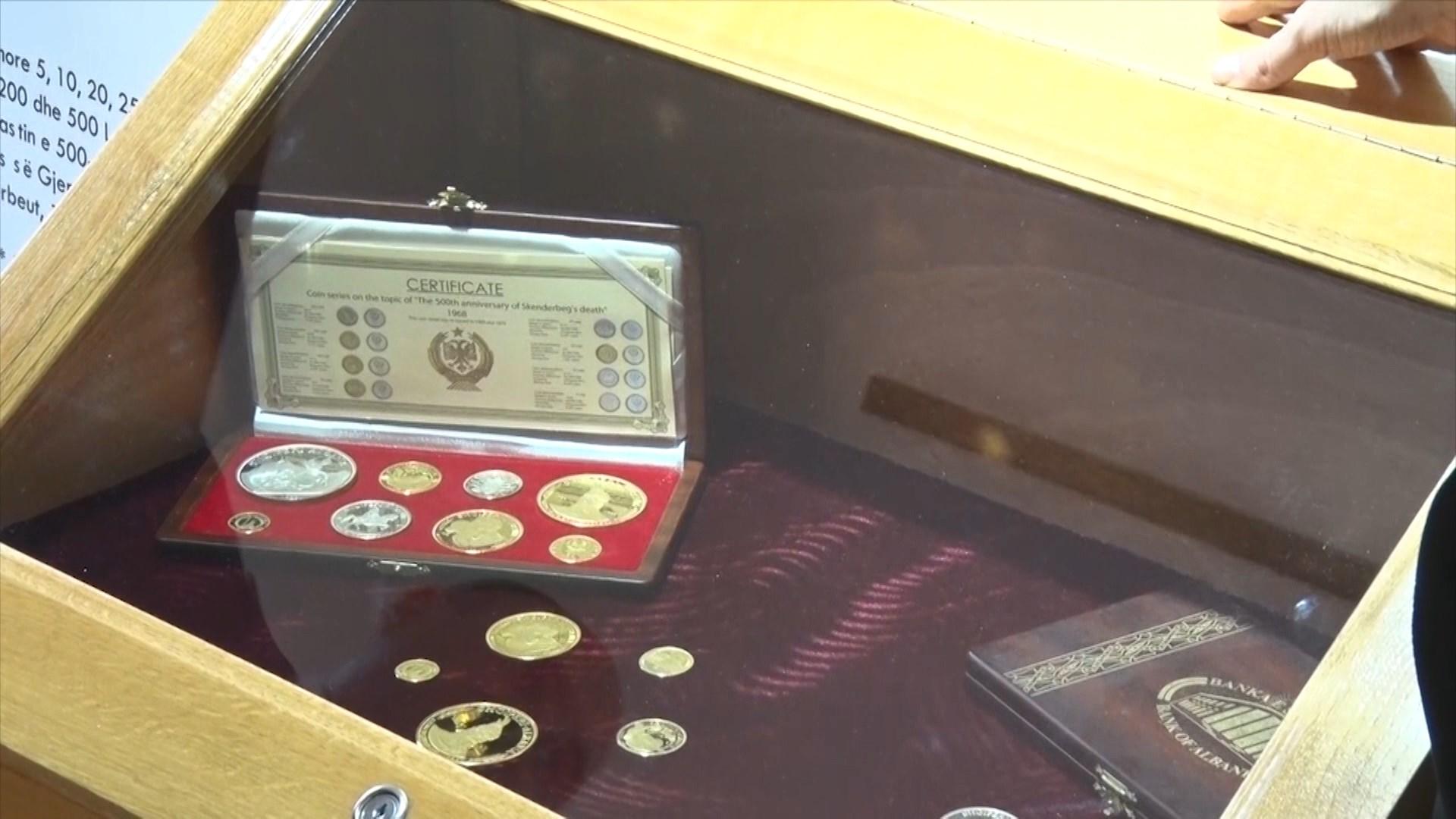 Banka e Shqipërisë dhe Kosovës ekspozitë me monedhën e Skënderbeut