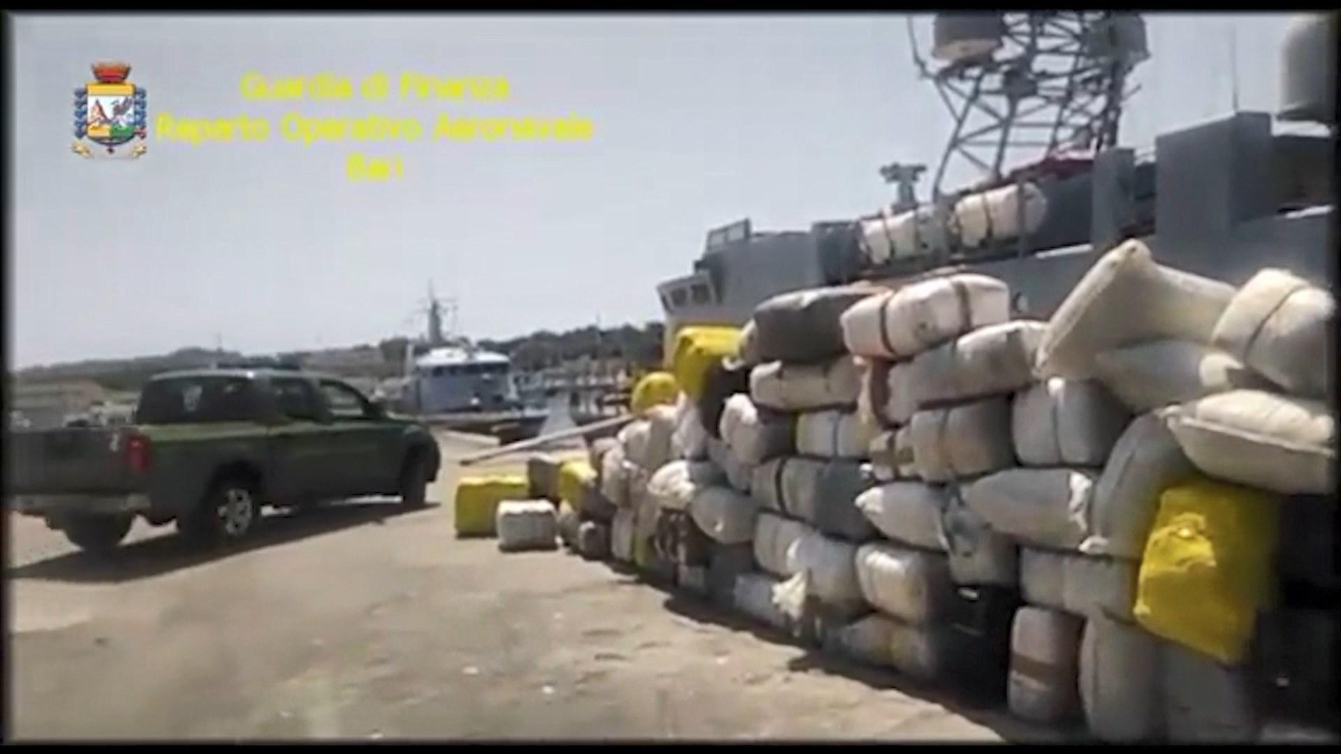 Brindizi, goditet grupi që trafikonte drogë/ 2 shqiptarë në pranga