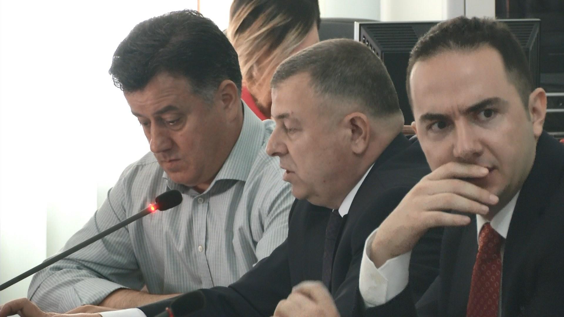 PD në komisionin e sigurisë: Qeveria po përgatit pranimin e emigrantëve sirianë