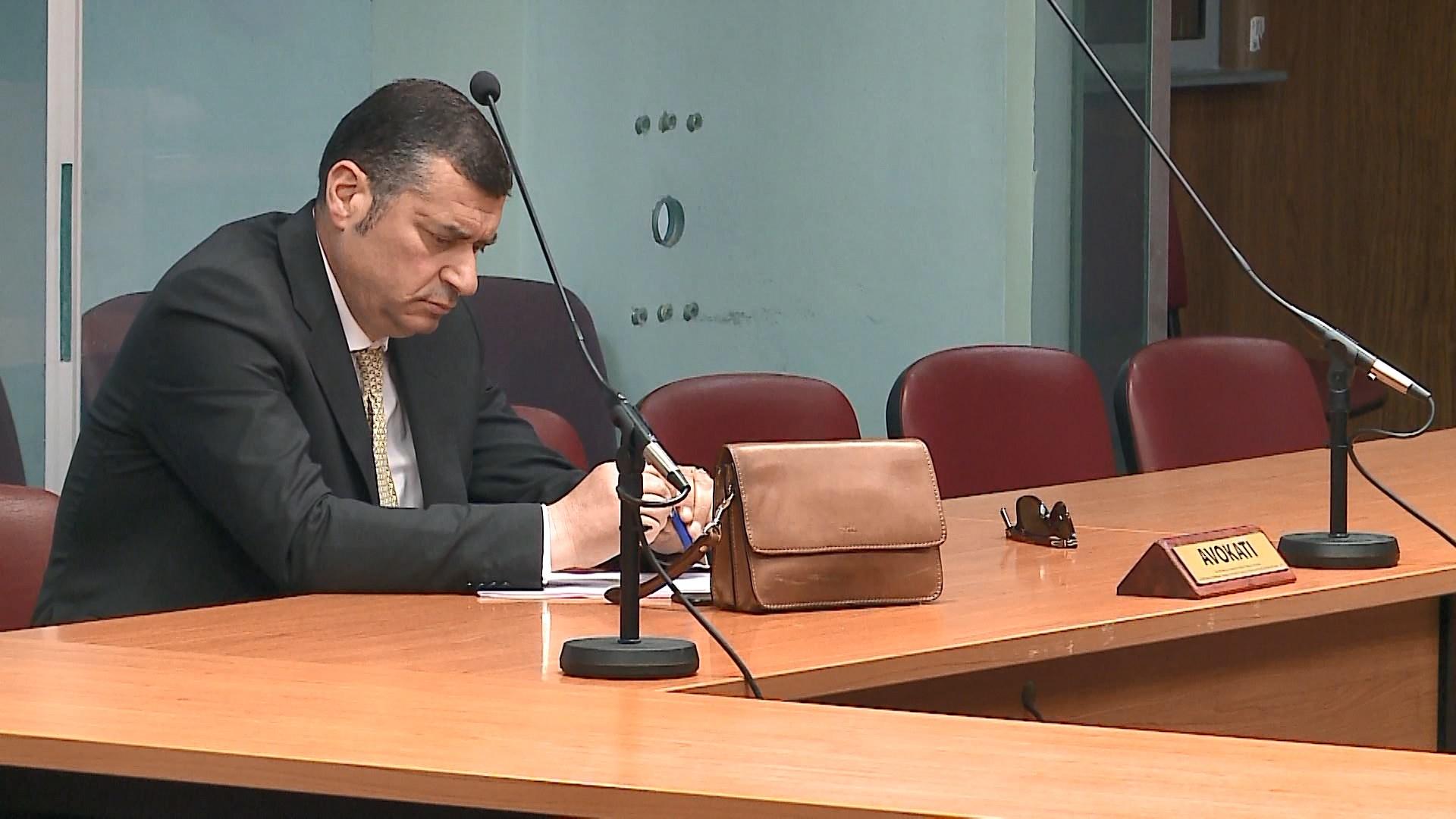 Gjobë avokatëve të Iljaz Labit, shtynë për herë të shtatë vendimin