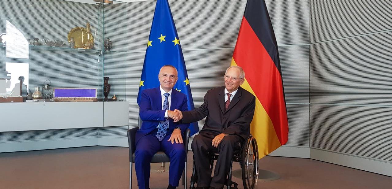 Takimi-Meta-Schäuble.jpg