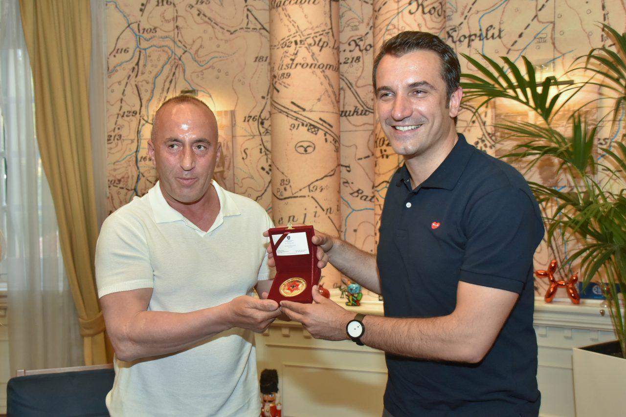 Veliaj-me-Kryeministrin-Haradinaj-1-1280x854.jpg