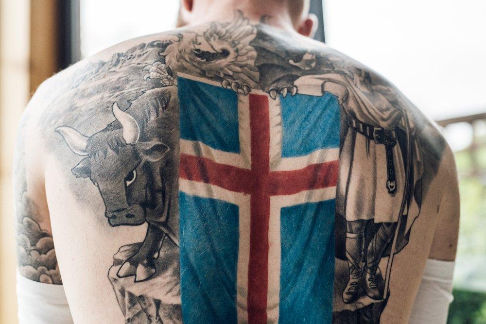 Në Kupën e Botës me flamurin e kombëtares tatuazh në shpinë