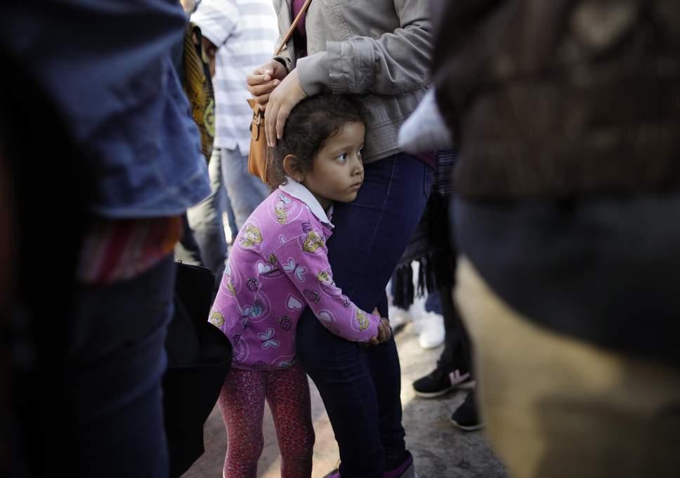 child-us-mexico-border.jpg