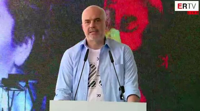 """Çmimi për sheshin """"Skënderbej"""", Rama: Fitoi modeli i rilindjes"""