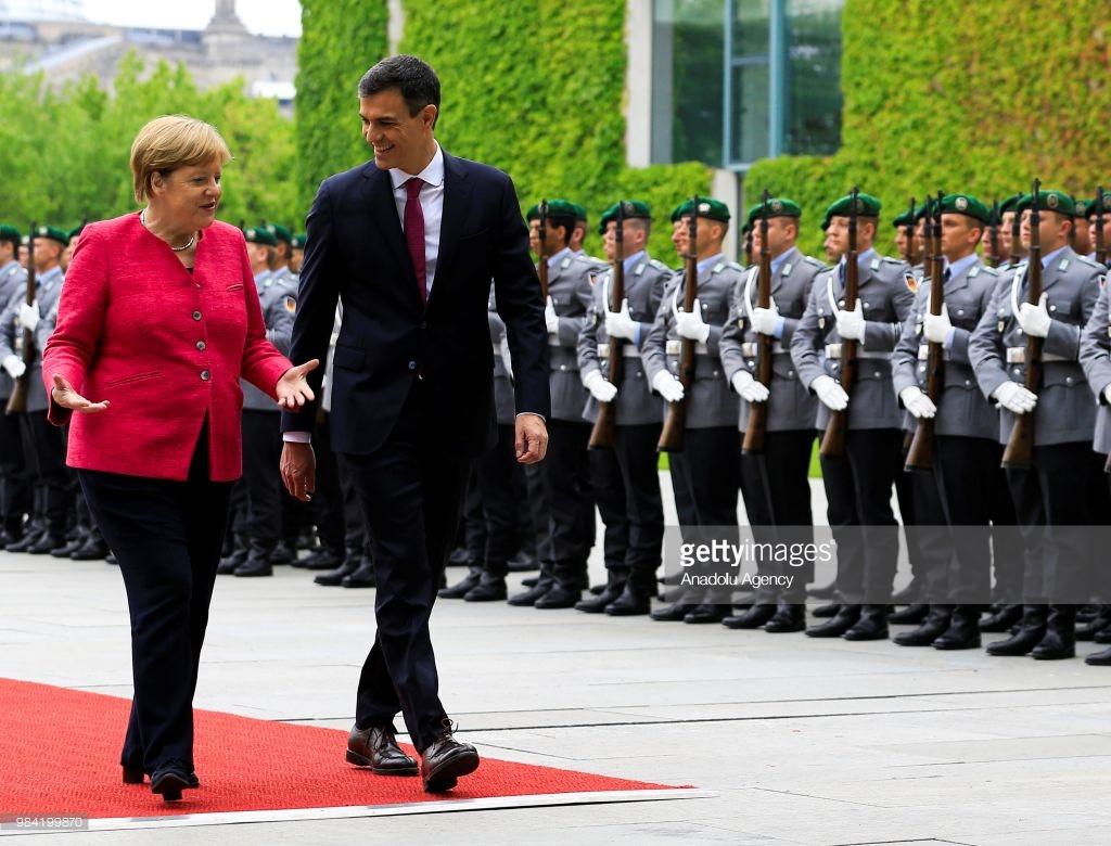 BE, Merkel kërkon ndërmjetësim