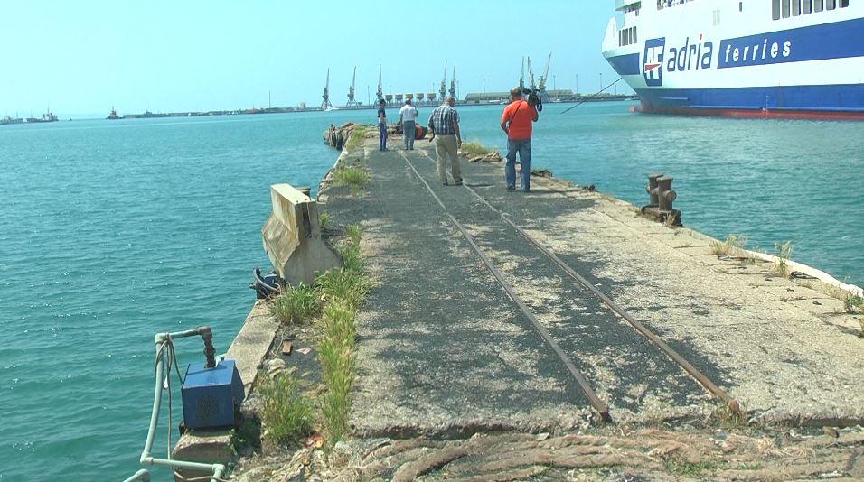 Durrësi, peshkatarët: Nuk kemi ku të ankorojmë anijet
