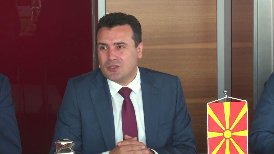 Zoran Zaev reagon sërish për bisedën me komedianët
