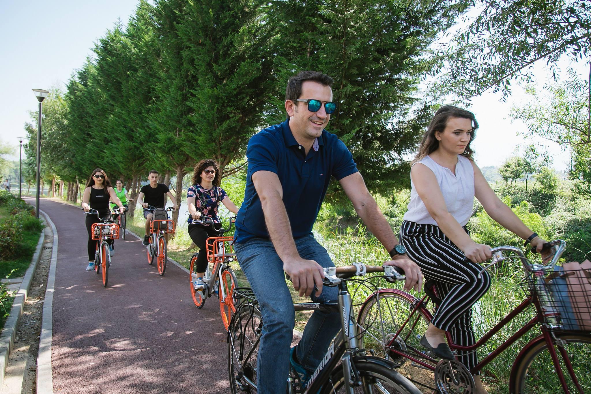 Liqeni i Tiranës me pista të reja për këmbësorët dhe biçikletat