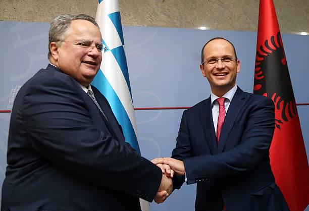 """""""Protothema"""" publikon marrëveshjen Shqipëri – Greqi: Dhamë Epirin e Veriut"""