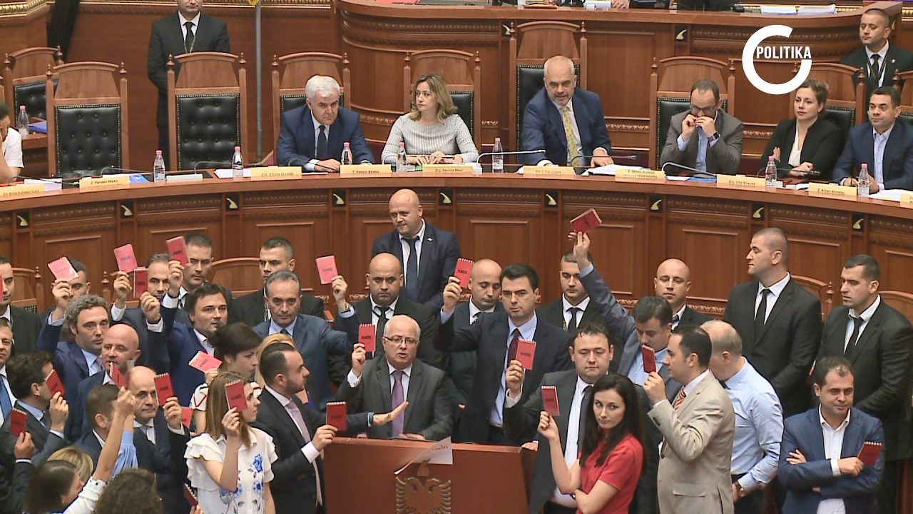 POLITIKA-NE-ABC-NEWS-AKROBACI-POLITIKE-VERORE-1280x720.jpg