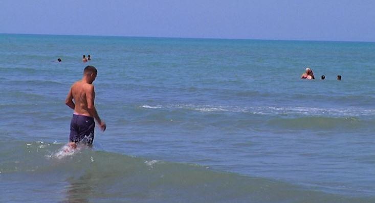 Plazhi Adriatik në Divjakë, aty ku mund të pushosh me kosto të ulët
