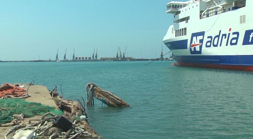 U arratis nga porti i Durrësit, bllokohet në Kroaci anija siriane