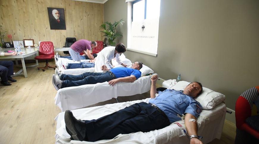 Punonjësit e Policisë Bashkiake dhurojnë gjak