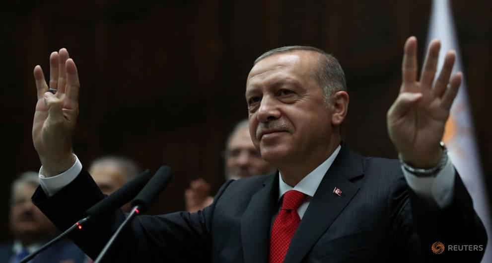 Erdogan merr kontrollin e ushtrisë