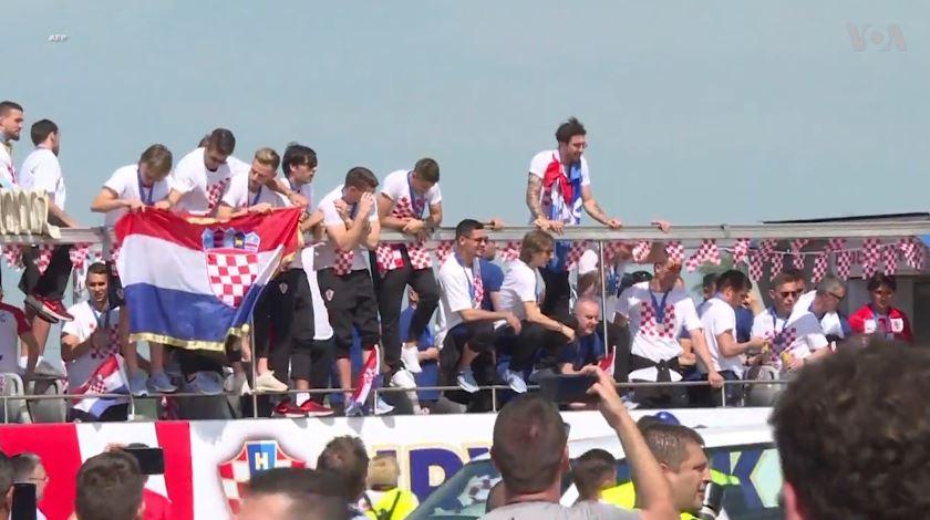 Zagreb, pritje madhështore për futbollistët kroatë