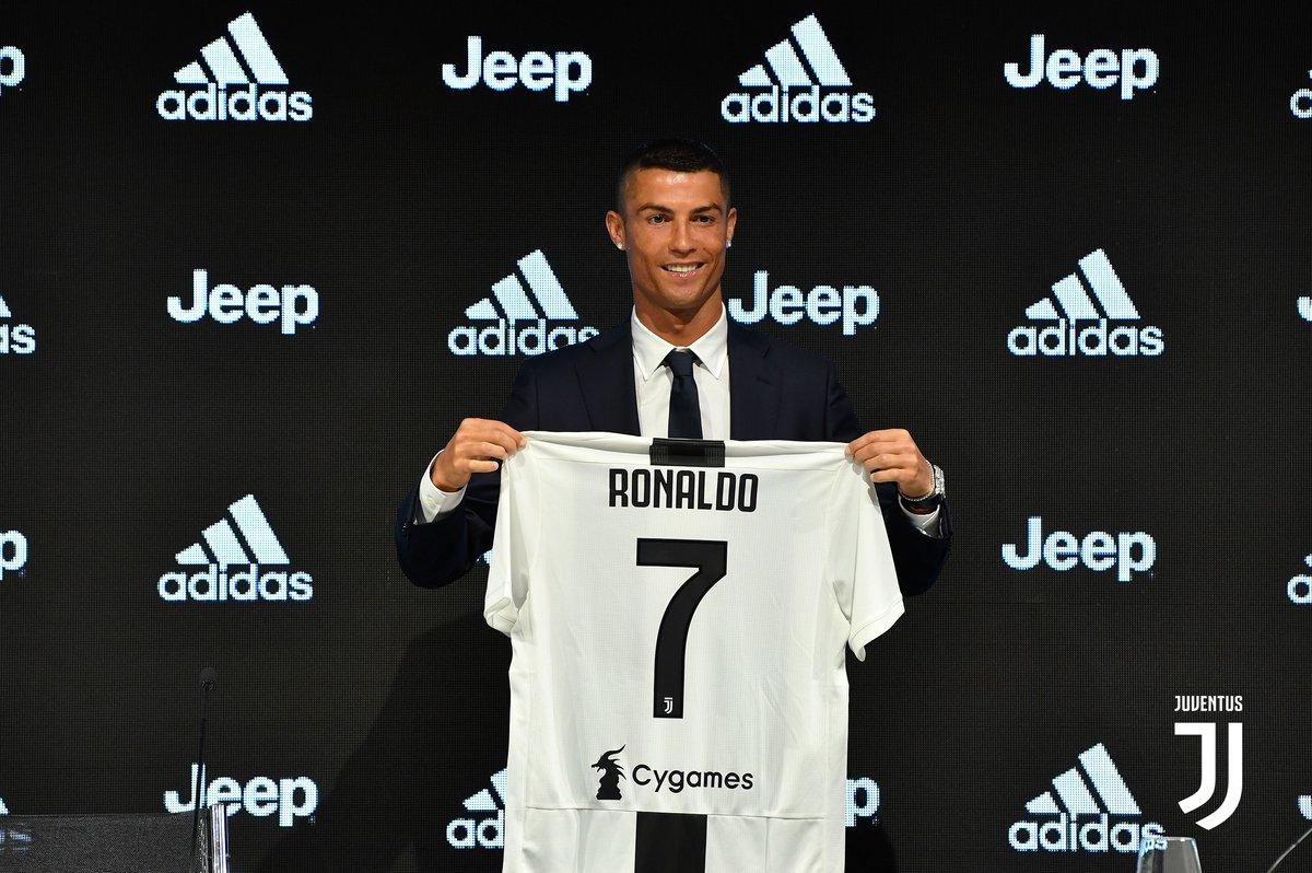 """Ronaldo, """"babagjyshi bardh e zi"""" në mes të verës"""