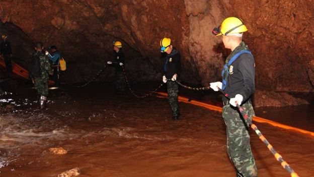 Tajlandë, vdes zhytësi gjatë opereacionit të shpëtimit në shpellë