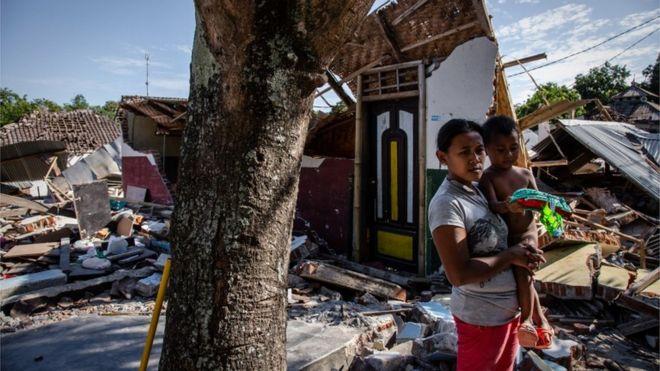 Një tjetër tërmet 5.9 ballë në Indonezi, shkatërrohen ndërtesa