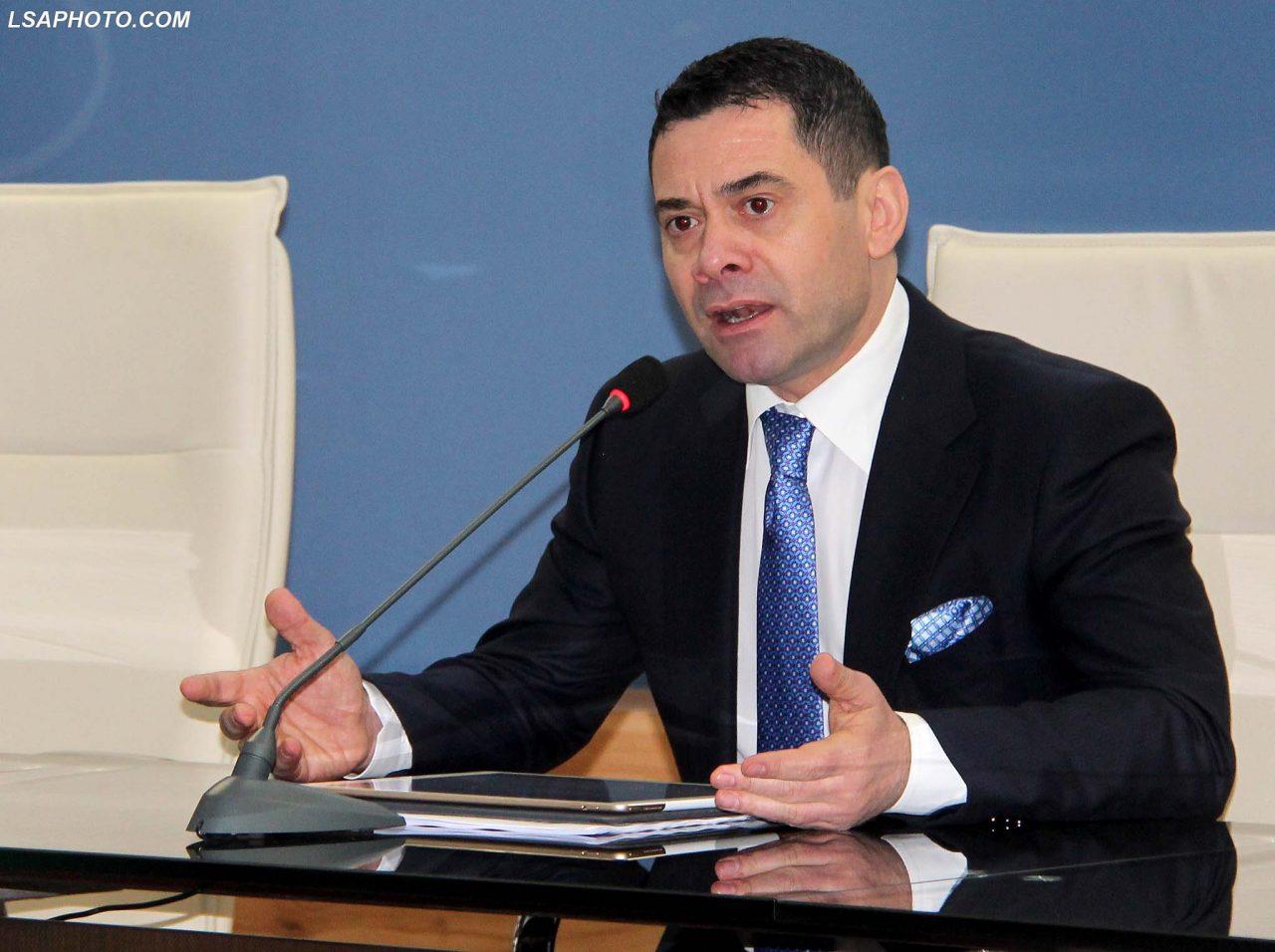 Arben-Ahmetaj-konference-1280x956.jpg