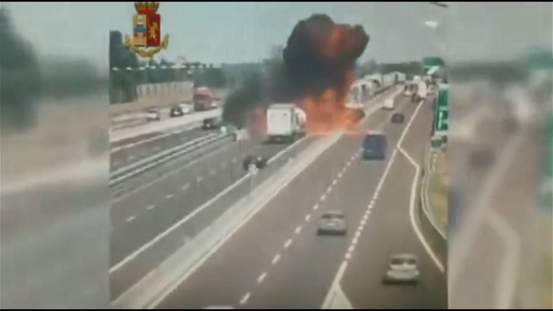 Një viktimë e dhjetëra të plagosur nga shpërthimi në Bolonja