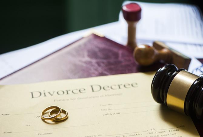Gruaja nuk lahet për një vit, burri kërkon divorcin
