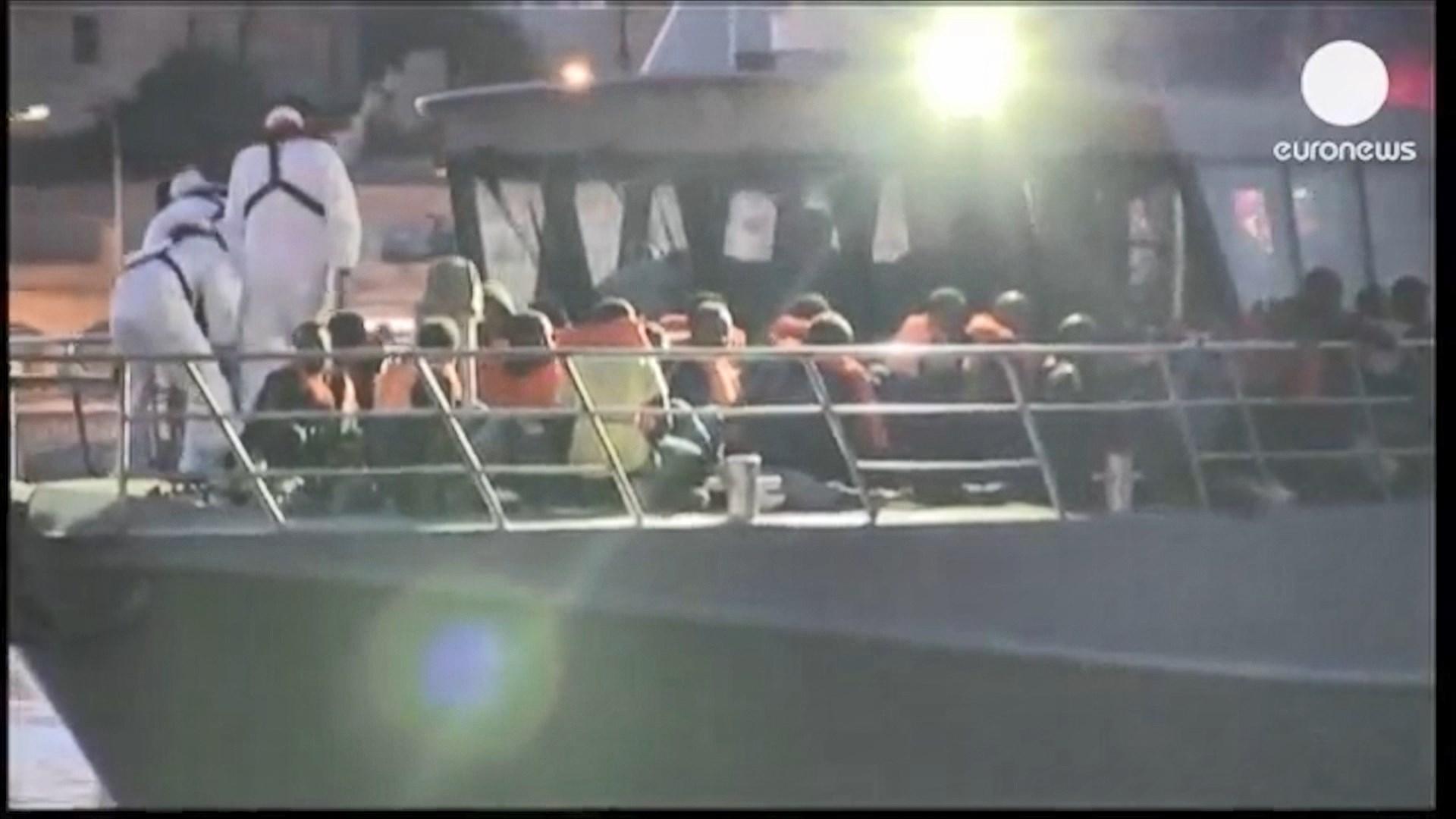 Autoritetet e Maltës shpëtojnë 100 emigrantë të nisur nga Libia