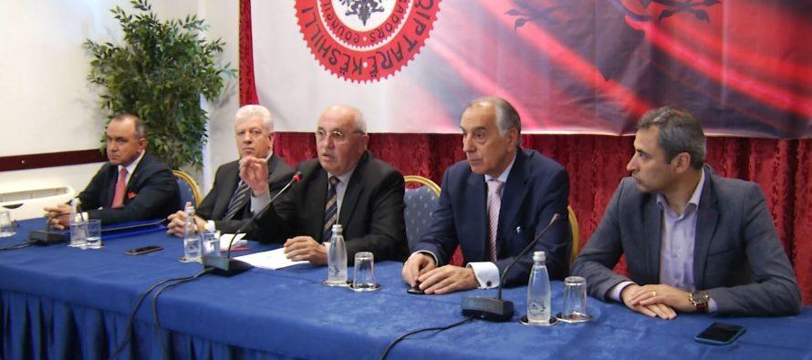"""Këshilli i ambasadorëve shqiptarë kundër """"korrigjimit"""" të kufijve"""