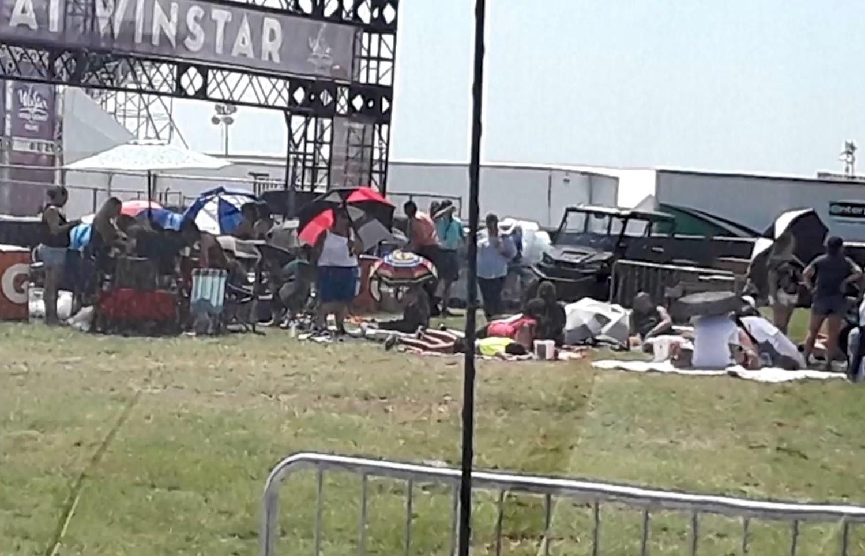 SHBA/Bie një pjesë e strukturës së një koncerti, 14 të plagosur